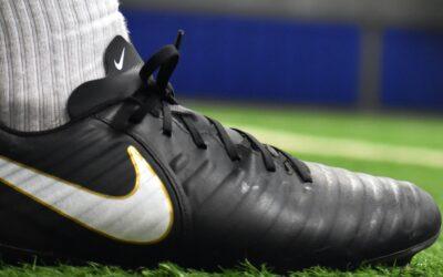Fodboldstøvler til forskellige positioner på banen